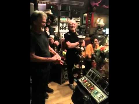In The Studio With Willie Nelson & Kris Kristofferson - Roll Me Up