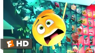 The Emoji Movie - The Wrong Face Scene | Fandango Family