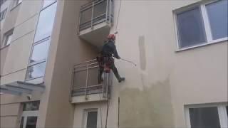 Czyszczenie elewacji Poznań przez alpinistów z firmy Olanex