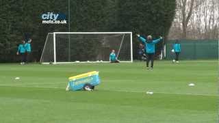 preview picture of video 'Mario Balotelli penalty saved by Joe Hart'