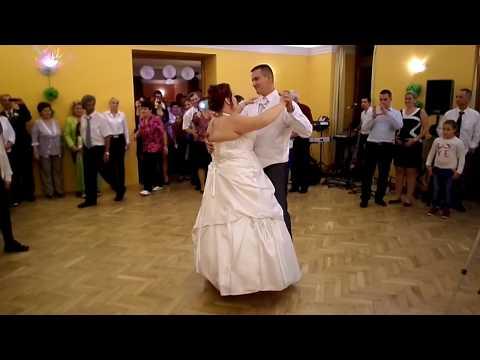 Ágota és Laci esküvői meglepetéstánc: bachata