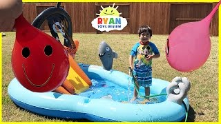 Learn Colors with Water Balloons for Children Toddlers and Babies! Kids inflatable water slide