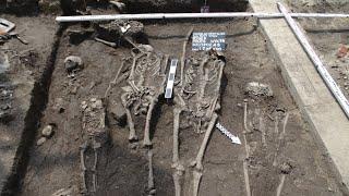 Szkielety z XVII wieku. Odkrycie w centrum miasta