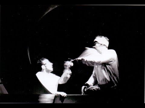 Προεσκόπηση βίντεο της παράστασης Δύο Θεοί.