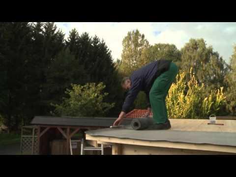 Verlegung von Dachpappe am Gartenhaus - Wolff Finnhaus
