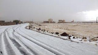 preview picture of video 'مشاهد نادرة لتساقط البرد الكثيف جداً في قاع سهمان - بني مطر جنوب غرب صنعاء'