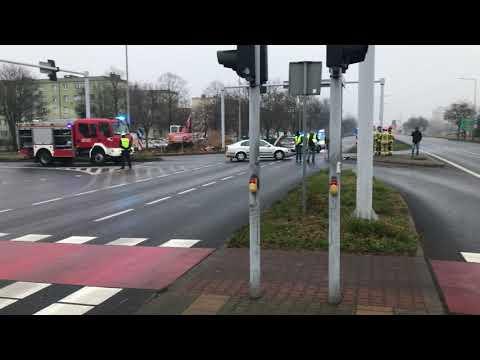 Wideo1: Wypadek na Konstytucji 3 Maja w Lesznie