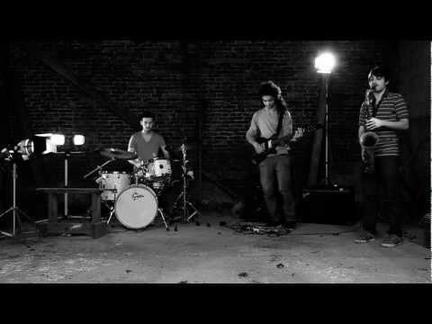 Roller Trio - ROR' online metal music video by ROLLER TRIO