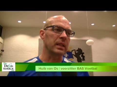 VIDEO | Gemeente en BAS gaan samen mogelijkheden kunstgras bekijken