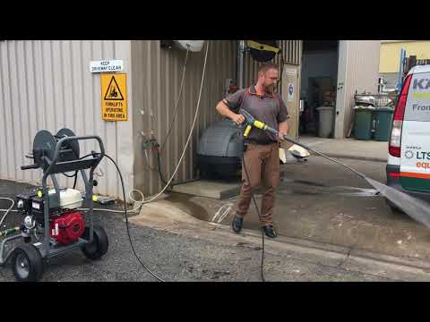 How to clean a truck with a karcher high pressure cleaner