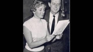 Klavirtuozen Annie Palmen en Jan v d Most   Het Regent Dat Het Giet 1958