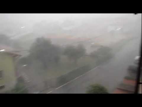Uno spaventoso monsone si abbatte su Induno Olona