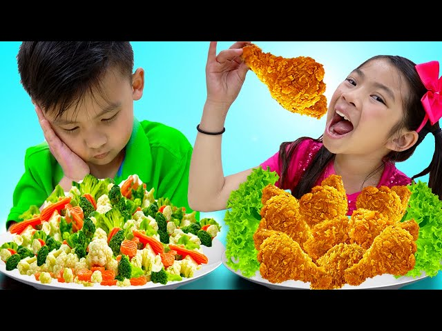 Emma and Jannie Eat and Cook Healthy Food and Fried Chicken   Funny Food Toys Video for Kids