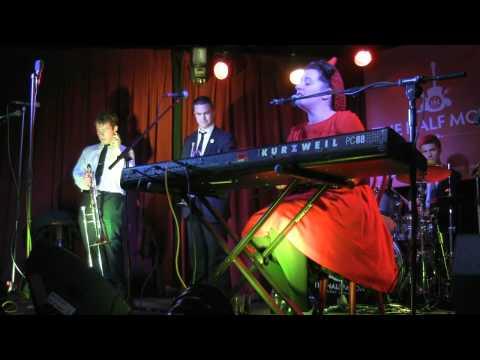 Concierto Davina and The Vagabonds