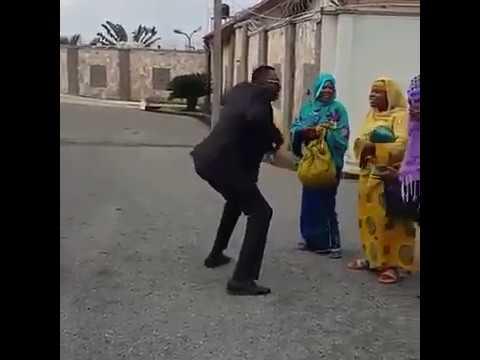Funny! See Odunlade Adekola dance with beggars in movie scene