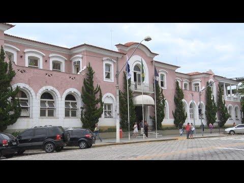 Prefeitura de Friburgo deve exonerar 350 cargos, convocar concursados e pode ampliar OS na Saúde