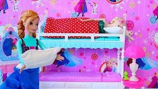Elsa Birthday Party! Play Baby Dolls Barbie Anna, Rapunzel cooking cake  DIY Dollhouse Decoration