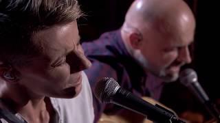 Perfect Match! K's Choice Brengt Eigen Versie Van 'Stand My Ground' | Liefde Voor Muziek
