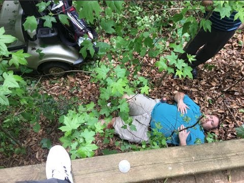 After he was thrown off a golf cart, man files lawsuit against country club