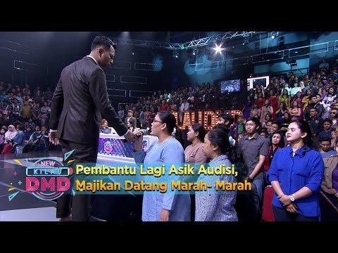 DownloadPembantu Lagi Asik Audisi, Majikan Datang Marah-Marah - New Kilau DMD (4/12)HD Mp4 3GP Video and MP3