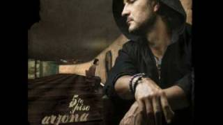 Quinto Piso - Ricardo Arjona  (Video)