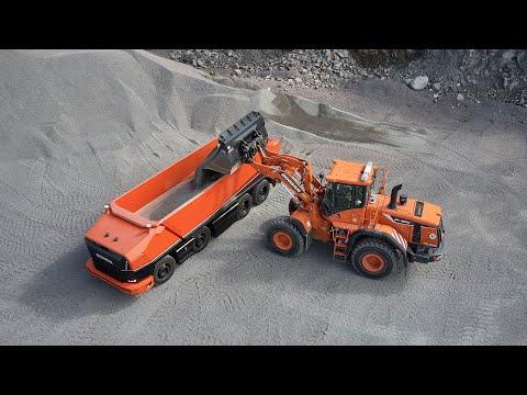 Первый беспилотный грузовик компании Scania