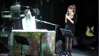 """Fito Paez & Fabi Cantilo - """"Fue Amor"""" + """"Brillante Sobre El Mic"""" (Chile)"""