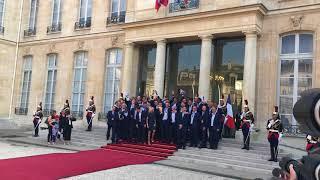 """Les Bleus chantent """"I Will Survive"""" à l'Elysée"""
