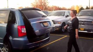 preview picture of video '2012 Chrysler Town & Country at Haasz Automall'