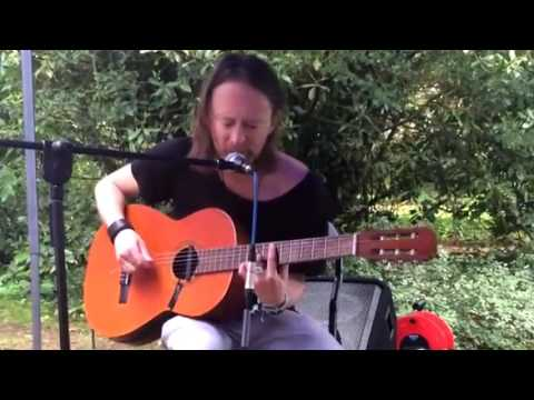 Thom Yorke - 2016-06-12 - Reckoner (Partial) - 16x9 [Remix] - Garden Performance