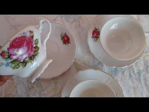 Juego de 3 tazas y 3 platos. Porcelana japonesa.