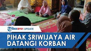 Perwakilan Sriwijaya Air Kunjungi Keluarga Indah Halimah Korban SJ182 yang Jatuh di Kepulauan Seribu