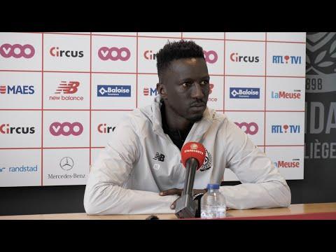 Mbaye Leye voor KAS Eupen - Standard