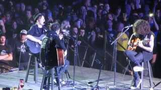 Fall Out Boy - Chicago Is So Two Years Ago (acoustic) Live Newcastle Arena 21/3/2014