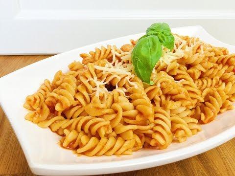 Türkische Nudeln mit Tomatenmark Buttersauce / Salcali Makarna / Pasta mit Tomatensauce