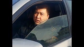 Наглое неуважение к закону, презирающий закон участковый полицейский.