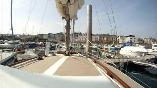 preview picture of video 'entering qeii marina guernsey'