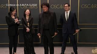 """""""Parásitos"""" arrasa en los Óscar con cuatro premios, también a mejor película"""