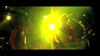 THE TREWS - PARANOID FREAK - LIVE!