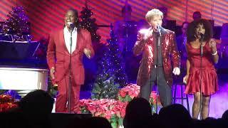 """Barry Manilow """"Let's Hang On"""" Nassau Coliseum December 7 2017"""