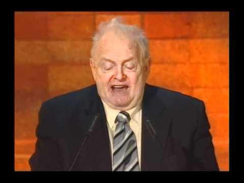 יוסף לפיד נשא את דבר הניצולים בטקס יום הזיכרון לשואה ולגבורה, 2007