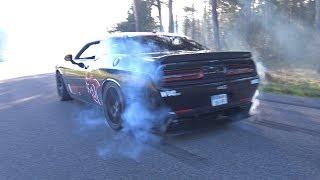 Dodge Challenger SRT 8 Hellcat - Massive Burnouts!