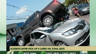 preview picture of video 'Acidente entre pick-up e carro na Zona leste de Manaus deixa feridos'