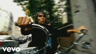FLASHBACK Op 23 april 2002 speelt Stone Rosesfrontman Ian Brown in Rotown