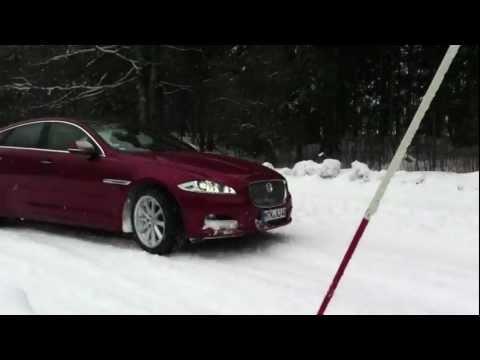 Jaguar XJ AWD on snow track - Jaguar XJ Allrad auf Schnee-Strecke - Autogefühl Auto Videolog