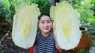 Tasty Chinese Cabbage Soup For Rainy Day - Yummy Chinese Cabbage Soup Cooking - Cooking With Sros