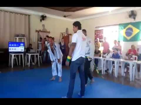 Luta principal de Jiu Jitsu em Apiacá vencedor Juninho