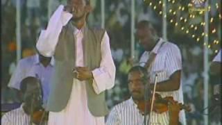 تحميل و مشاهدة محمود عبد العزيز - برتاح ليك ( جمهور خيالي) الجان MP3