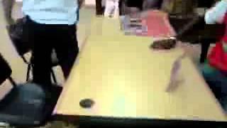 preview picture of video 'bras de fer,le Lengo'z et un chinois[oyo mars 2012]'