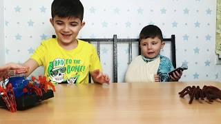 РАСПАКОВКА новой игрушки РОБОТ паук/New TOYS robot SPIDERMAN